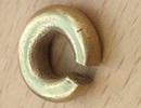 Đào được miếng vàng bé tí, kiểm tra mới biết là báu vật 3.000 năm tuổi