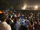 Tàu hỏa lao vào đám đông ở Ấn Độ, hơn 60 người chết