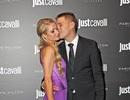 Paris Hilton hạnh phúc bên bồ trẻ