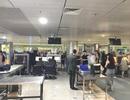 """Bị hải quan sân bay """"hỏi thăm"""" vì mang... quá nhiều tiền"""