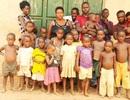 """Bà mẹ """"mắn"""" nhất Uganda: Sinh 44 con dù mới 40 tuổi"""