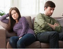 Nàng dâu bực bội vì chồng vẫn lo cho bố mẹ dù đã ra ngoài sống riêng