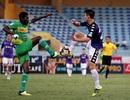 Nam Định chiếm ưu thế trước Cần Thơ trong cuộc đua trụ hạng V-League