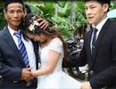 Xúc động clip cô dâu mồ côi ôm chú ruột khóc nấc trước khi về nhà chồng