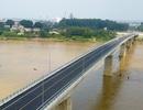 """Diện mạo """"dải lụa"""" 4 làn xe nối Hà Nội - Phú Thọ vắt ngang sông Hồng"""