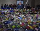 Các cầu thủ Premier League đeo băng tang tưởng nhớ cố Chủ tịch Leicester