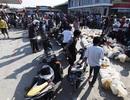 """Dân đảo Indonesia mắc kẹt ở """"vùng đất thây ma"""""""