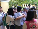 Thầy trò trường chuyên Trần Đại Nghĩa khóc như mưa chia tay thầy hiệu trưởng