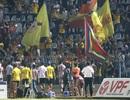 Cổ động viên Nam Định ăn mừng vé dự trận play-off ở sân Cần Thơ