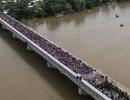 Tổng thống Trump ký lệnh đối phó dòng người di cư đổ về Mỹ