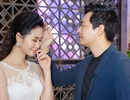 MC Phan Anh thân mật vuốt tóc Dương Thuỳ Linh khiến cô ngượng ngùng