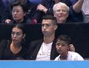 Ronaldo vui vẻ đưa bạn gái đi xem tennis
