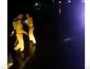 Làm rõ clip CSGT ẩu đả với lái xe tải trong đêm