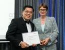 Một giáo sư người Việt nhận huy chương xuất sắc về nghiên cứu ở Úc