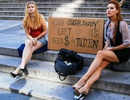 Sinh viên hoạt động mại dâm ở các nước trên thế giới: Có thể bỏ tù chứ không buộc thôi học!
