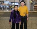 Cụ bà 90 tuổi nửa đêm vẫn ra sân bay đón Tuấn Vũ trở lại Hà Nội