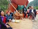 Ninh Bình: Người dân dựng lều, tập trung phản đối dự án xây đài hóa thân!
