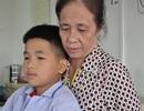 Bố tai nạn, mẹ bỏ đi, bé 10 tuổi bị bệnh máu đến viện trong đói nghèo