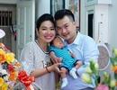 Vợ chồng diễn viên Lê Khánh mừng đầy tháng con trai đầu lòng