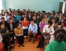 Hàng trăm phụ huynh phản đối giải thể, sáp nhập trường