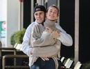 Vợ chồng Justin Bieber tình tứ trên phố