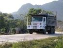 """Ninh Bình: Đoàn xe """"siêu tải"""" lao vun vút trên đường khiến người dân… khiếp sợ!"""