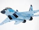 """Khoảnh khắc """"chim sắt"""" MiG-35 Nga cất cánh thẳng đứng"""