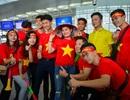 """Cổ động viên sang Philippines """"tiếp lửa"""" cho đội tuyển Việt Nam"""