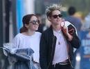 Kristen Stewart ra phố cùng bạn gái mới