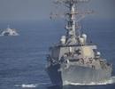 Iran đe dọa đóng cửa eo biển Hormuz, nã rocket gần tàu sân bay Mỹ