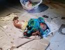 Cha mẹ cãi nhau, bé 2 tuần tuổi bị vứt bỏ giữa chợ Thái Lan
