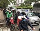 Dòng người đổ về quê nghỉ Tết, đường phố Hà Nội ùn tắc cục bộ