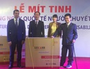 Đại sứ Azerbaijan trao tặng xe lăn cho người khuyết tật Việt Nam