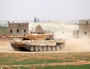 Thổ Nhĩ Kỳ tiếp tục triển khai xe tăng và khí tài tới sát Syria