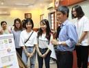 Trường cho sinh viên thi hết môn học bằng hình thức triển lãm báo cáo
