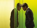 """Chuyện lạ tại trụ sở Apple: Nhân viên thi nhau """"đập đầu"""" vào cửa kính vì... hiện đại quá"""