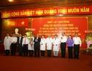 Thủ tướng Nguyễn Xuân Phúc chúc mừng các bác sĩ Bệnh viện Chợ Rẫy nhân ngày 27-2