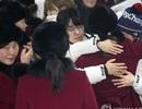 Cảnh chia tay đầy nước mắt của vận động viên Hàn - Triều