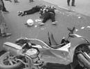 Hà Nội: Xe máy đối đầu container, 2 người thương vong