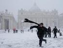 """""""Quái vật phương Đông"""" đổ bộ, Italy ngập trong tuyết hiếm"""