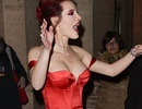 Bella Thorne gợi cảm sải bước ở Rome