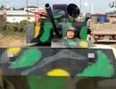 Tự chế xe tải thành xe tăng, người đàn ông bị tước bằng lái