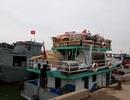 Người dân Lý Sơn chưa thể về nhà đón Tết vì biển động