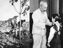 Hồ Chủ tịch với sự nghiệp trồng người - trồng cây
