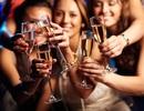 """Tưng bừng ăn mừng,  Chateau Dalat Sparkling Wine - """"Champagne"""" của người Việt"""