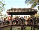 Đại sứ châu Âu gói bánh chưng, nói tiếng Việt chúc Tết cổ truyền Việt Nam