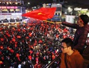 Màn ăn mừng bùng nổ ở hồ Gươm sau khi U23 Việt Nam vào chung kết