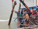 Cầu gỗ bị lũ cuốn lần 2 ở Nha Trang: Sửa chữa 50m cho học sinh qua sông