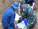 Cất bốc 12 hài cốt liệt sĩ gần sông Thạch Hãn