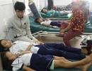 Hàng chục học sinh trường nội trú nhập viện nghi do ngộ độc